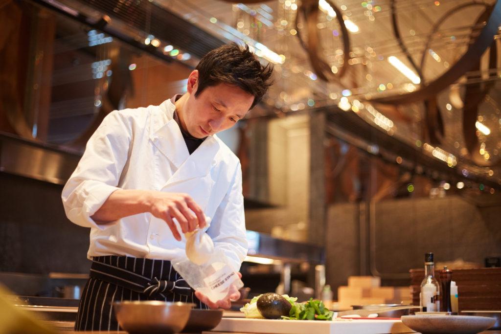 食材の魅力を最大限に生かす見た目にも楽しい料理。古屋豊樹さん|ザ タヴァン グリル&ラウンジ
