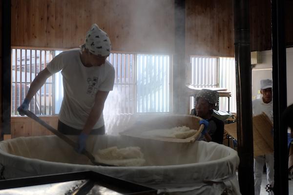 チーズとつながる発酵。麹(こうじ)の蔵へ | 川口糀店(神奈川)