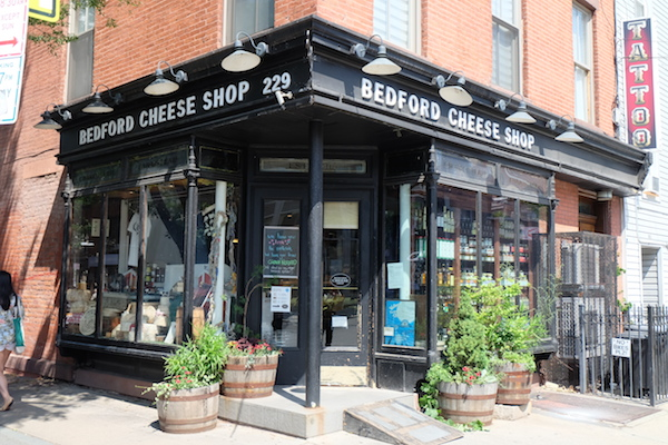 bedford cheese shop外観