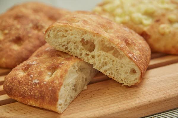 チーズに合うフォカッチャ作り|プロが教えるやさしいパン焼きABC