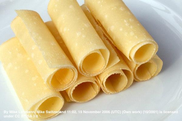 《ハイジの国のチーズたち》ハイジゆかりの地で作られる、希少な「ベルナー・ホーベルケーゼ」