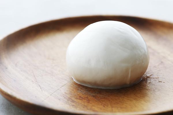 「モッツァレラ」の作り方&美味しい食べ方、知っていますか?