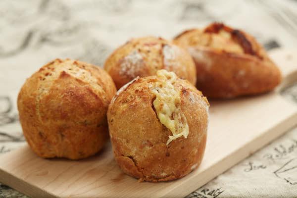 香り高いチーズのプチパン作り|プロが教えるやさしいパン焼きABC