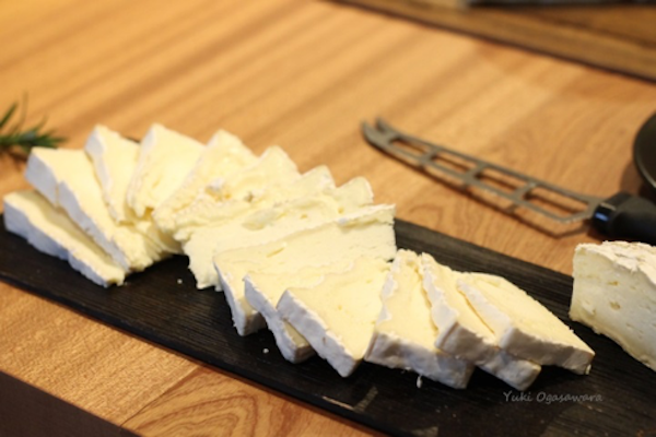 brie_cheese_cut