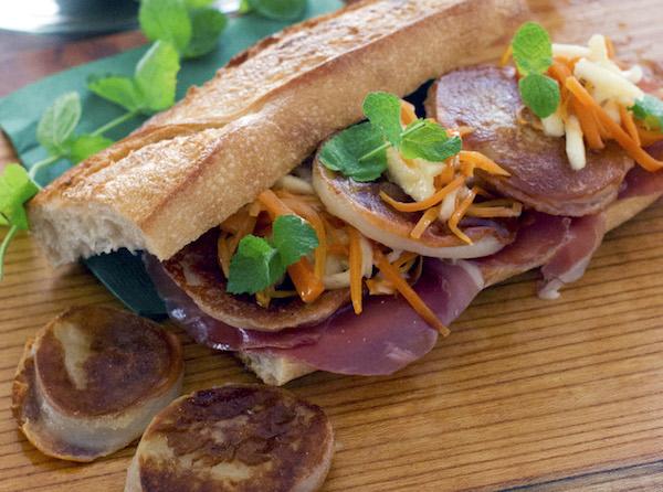 カチョカヴァッロで、行楽にぴったりのサンドイッチを| 簡単レシピ