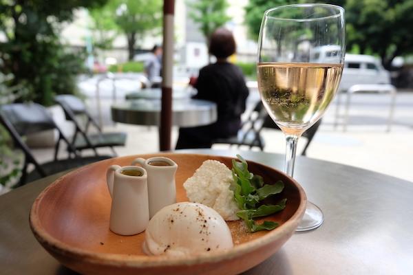 fresh cheese and rose wine
