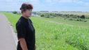 江戸川河川敷、たなびく牧草と母さん酪農家の明るい明日《知久牧場 前編》