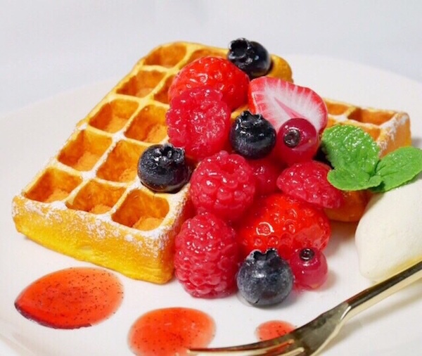 fakesweets_berrywaffle