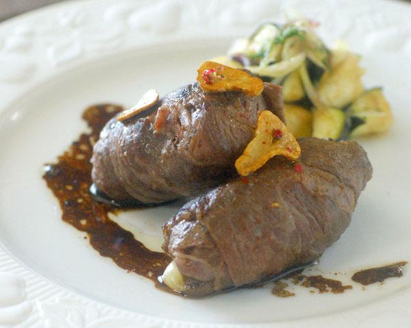モッツァレラ・きのこ・牛肉で、サッと作れるおもてなし料理|簡単レシピ