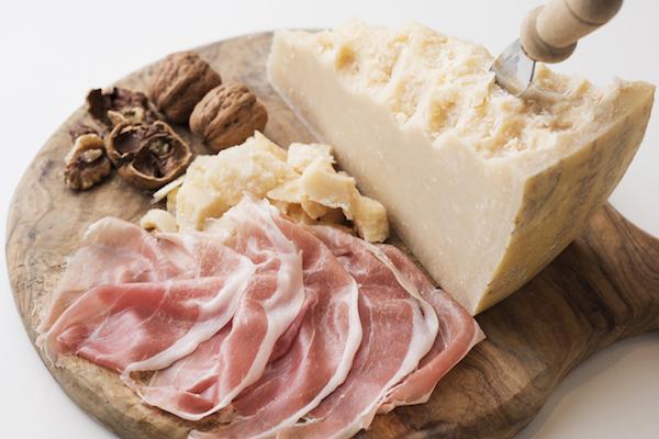 「食の循環」とともにある美味しさ。パルマのチーズ&ハムを楽しもう。